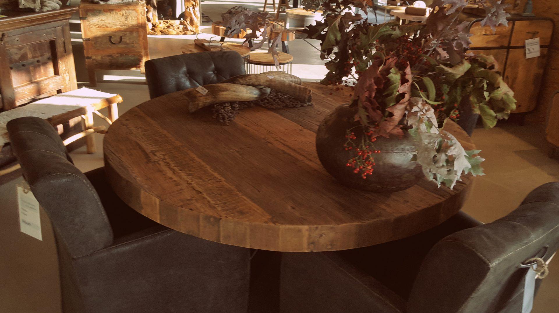 Aanbieding robuuste ronde tafel van oude teakdelen bassano u vos