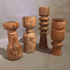 Kandelaar van oude houten balusters
