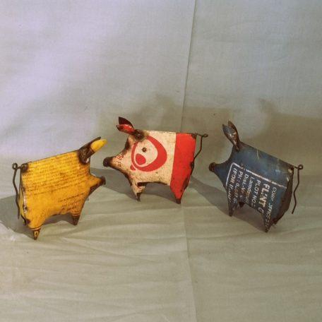 varkens-gerecycled-metaal