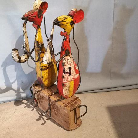 Muis met muziekinstrument-001